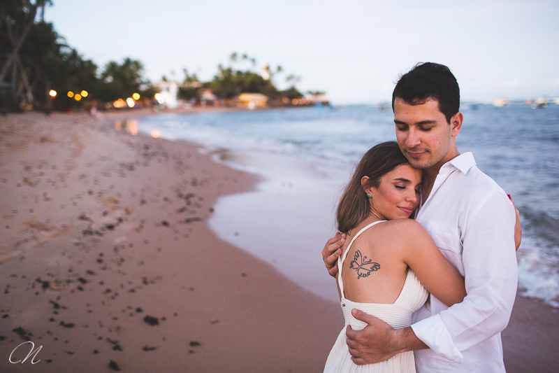 16-foto-casal-praia-forte-mariana-ricardo